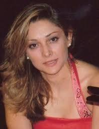 Maria Ruiz de Orduña, soprano. Nace en Segovia donde estudia guitarra, solfeo y piano en el Conservatorio de dicha ciudad. - 01mariaruiz