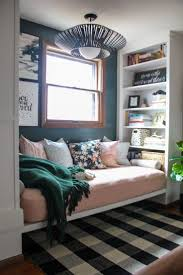Interior Design For Small Spaces Living Room 25 Best Ideas About Small Den On Pinterest Small Den Decorating