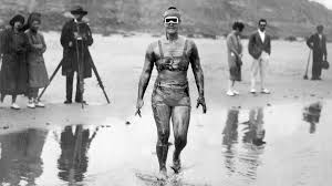 The First Woman to Swim the English Channel Beat the Men's ...