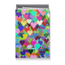 <b>Коробка для футболок</b> Разноцветные сердца орнамент ...
