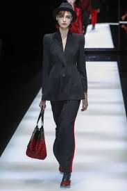 Giorgio Armani <b>Fall 2017</b> Ready-to-Wear Fashion Show | mon style ...
