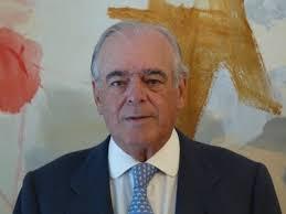 El Consejo de Administración de Inversis Banco ha nombrado consejero independiente y presidente del consejo a Daniel García-Pita Pemán, que sustituye en el ... - daniel-garcia-pita-peman-presidente-inversis-banco_1_888415