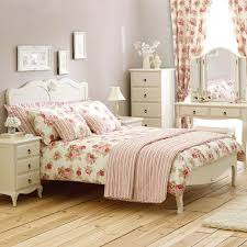 arrange arranging bedroom furniture