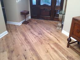 Hardwood Or Tile In Kitchen Tile That Looks Like Hardwood Floors Like You Got A New Home