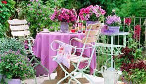 Znalezione obrazy dla zapytania ławka w kwiatach