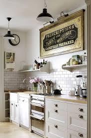 white kitchen backsplash statement