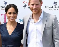 Принц Гарри надел на свадьбу друга дырявые туфли