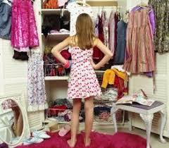 Lemari Baju Batik