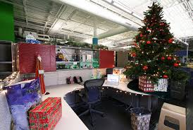 7 best office christmas decorations