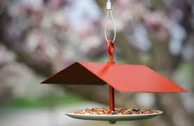 <b>How To: Make a DIY</b> Modern <b>Bird Feeder</b> | Curbly