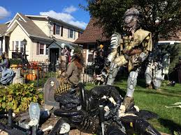a house in farmingdale ny is doing just that every year they go all out decorating their home with scary monsters aliens and other famous halloween check haunted house