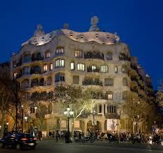 Casa Mila v Barceloně, Wikipedia.org