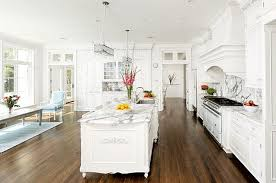 spacious and gorgeous chic white home