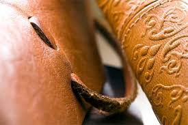 <b>Leather</b> vs <b>Polyurethane</b> - Difference and Comparison | Diffen