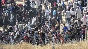 Image result for Photo syrians crossing borders
