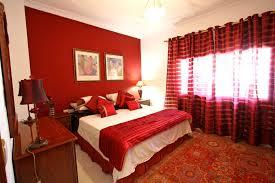 bedroom paint colors for bedroom feng shui light brown engineered wood flooring cream headboard decorating bedroom cream feng shui
