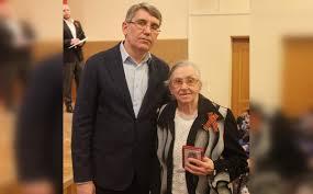 Дмитрий Миляев вручил тульским труженицам тыла юбилейные ...