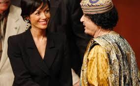 L'on.Carfagna sostiene le quote rosa (in foto col dittatore Gheddafi)
