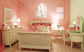 coral walls bedroom