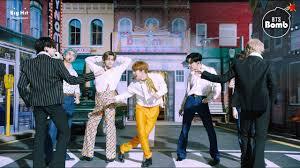 'Dynamite' Stage CAM (BTS focus) @ 2020 iHeartRadio <b>Music</b> ...