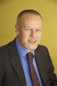 FA und langjähriger Erfahrung als Kundenberater im Private Banking bei einer Grossbank sowie mehrjähriger Praxis als Vermögensverwalter verfügt Martin Senn ... - 1579371f193a0754404f5987c76ce425_f28