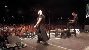 """David Performs <b>Pantera's</b> """"Walk"""" with Breaking Benjamin in Dallas ..."""