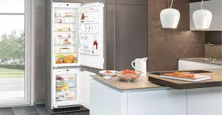 Высокий <b>встраиваемый холодильник</b> от <b>LIEBHERR SBS</b> 33i2