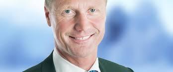 Holmens vd och koncernchef Magnus Hall har sagt upp sig efter 29 år på bolaget. Ny vd blir Henrik Sjölund, för närvarande vd för affärsområdet Holmen Paper. - henrik-1