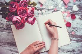 Resultado de imagem para mulher a escrever