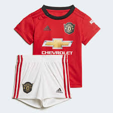 adidas <b>Комплект</b>: <b>футболка</b> и шорты Манчестер Юнайтед Home ...