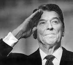 Pochylmy czoła przed prawdziwie wielkim człowiekiem. Ronald Wilson Reagan - człowiek który, proszę o wybaczenie kolokwializmu - kopnął w dupę cały blok ... - reagan