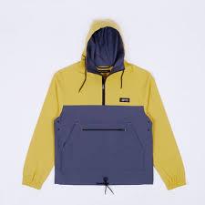 <b>Куртки</b>/Анораки