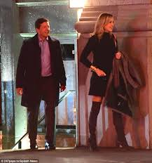 Good Morning America     s Lara Spencer has dinner date in NYC   Daily     Daily Mail