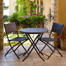 charming outdoor dining room design ideas using outdoor bistro table and chairs adorable outdoor dining charming outdoor furniture design