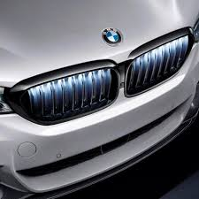 <b>Решетки радиатора</b> M Performance Iconic Glow для BMW G30 / G31