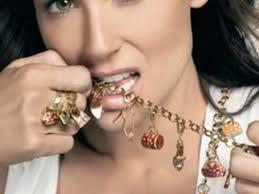 Rosato: i gioielli delle dive · Rosato è un'azienda orafa aretina famosa per le sue bags: un insieme di deliziose borsette d'oro, smaltate e coloratissime, ... - 1366_big