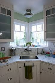 corner sinks design showcase: i housesit at a place with a sink like this and i love it cute