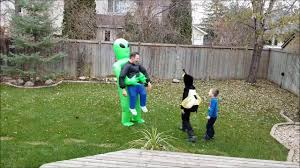 <b>Alien</b> Pick Me Up <b>Inflatable Halloween</b> Costume - YouTube