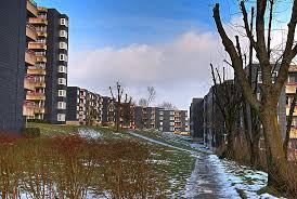 63 români traiesc claie peste gramada. Ghetoul de români din Radevormwald Oberbergischer Kreis, in North Rhine-Westphalia,