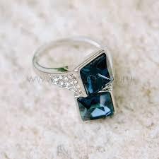 Купить <b>кольца</b> с кристаллами versace