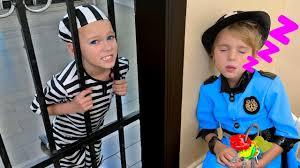 Mania <b>Pretend Play</b> Police <b>Kids Toys</b> - YouTube