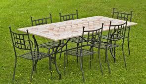 Tavolo Da Terrazzo In Legno : Tavolini da giardino foto design mag