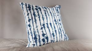 Cushions & <b>cushion covers</b>