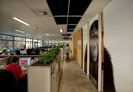 desk layout design and interior for advertising agency leo burnetts sydney office advertising agency office design