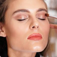 how to contour and highlight your face with makeup