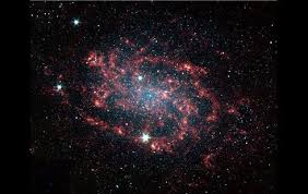 Resultado de imagen de Sin embargo, un equipo internacional de astrónomos de Japón, Gran Bretaña y Taiwan acaba de conseguir, por primera vez, imágenes que reflejan la distribución de materia oscura alrededor de 20 grandes cúmulos de galaxias.