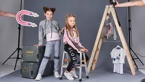 <b>Детская</b> мода от Choupette SS'2020: <b>блогер</b>, матрица и цветы ...