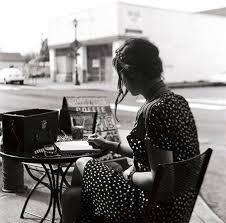 Risultati immagini per immagini di donna che scrive