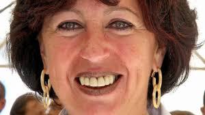 Warten auf die Zuschüsse vom Freistaat: Moosburgs Bürgermeisterin Anita Meinelt. (Foto: FRS). Meinelt ist guter Dinge, dass genannte Baumaßnahmen ... - moosburgs-buergermeisterin