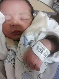 Resultado de imagem para imagem recem nascido no hospital